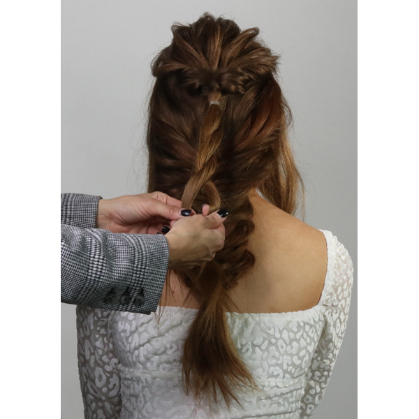 Jenny Strebe @theconfessionsofahairstylist How To Boho Inspired Bridal Downstyle AIIR Professional Sam Villa Styling Step By Step