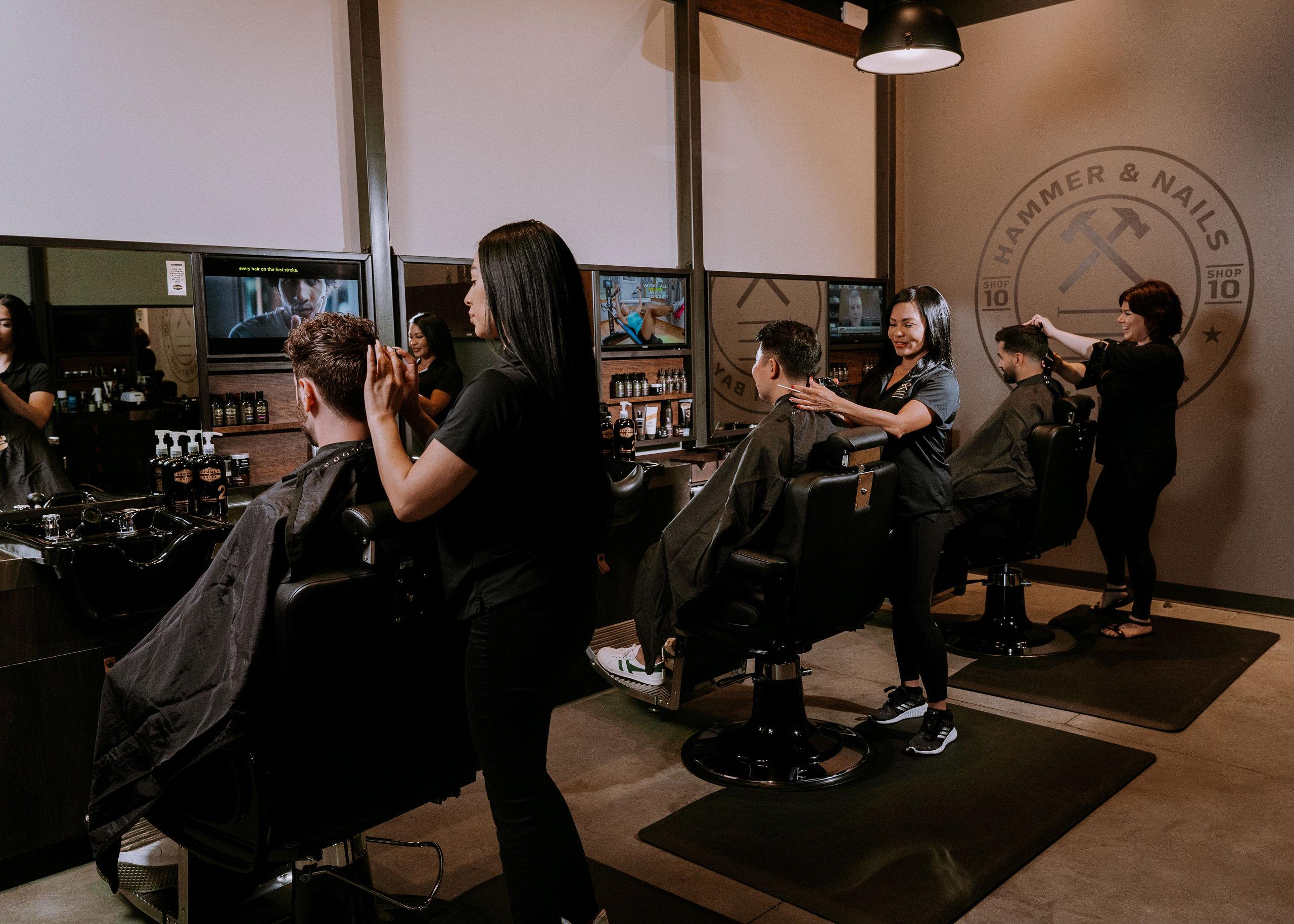 URGENTLY HIRING: Stylists/Barbers/Nail Techs! $250-$500 Sign-On BONUS!