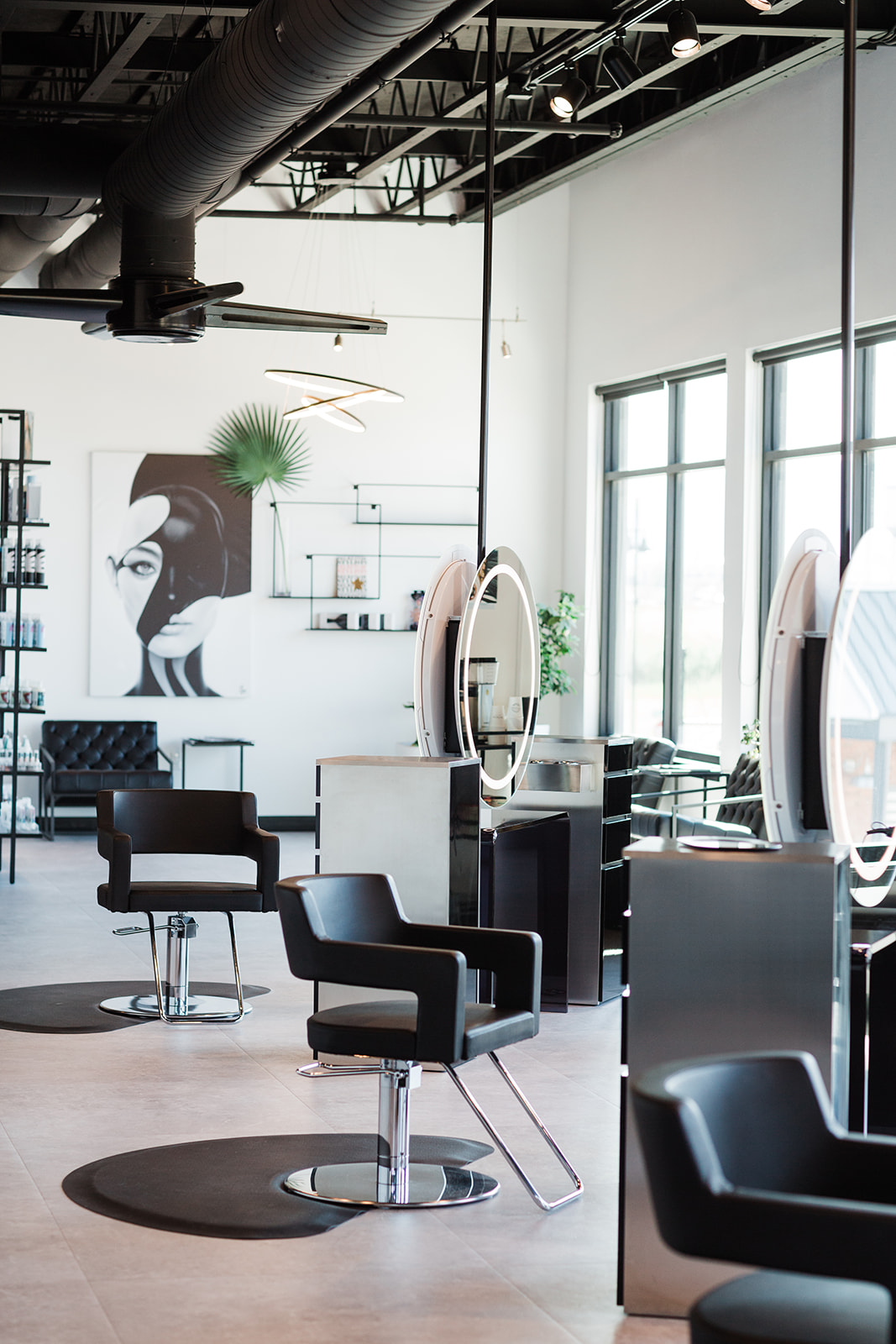 Now hiring stylists in Bozeman, Montana with great compensation!
