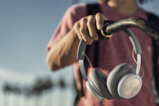 play-beoplay-h4-2