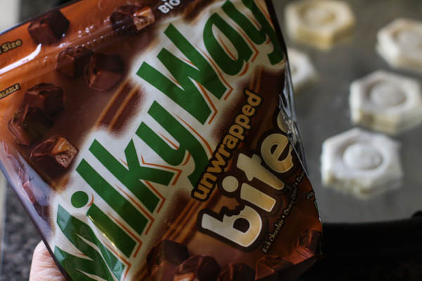 Flaky Pastry Cups with Milky Way® Bites #EatMoreBites #cbias #shop