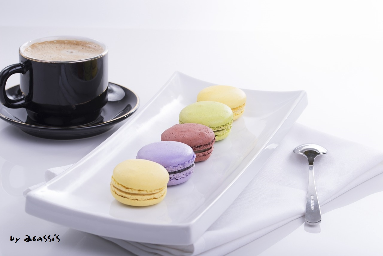 pic-2-by-2cassis-macaroon-886565_1280