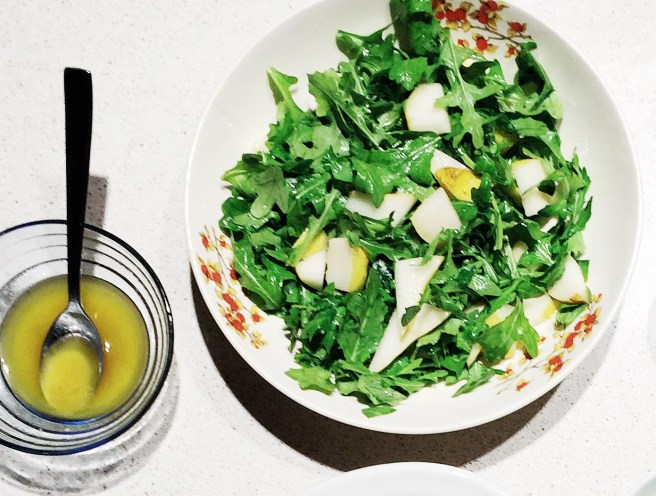 arugula salad with pears and pine nuts