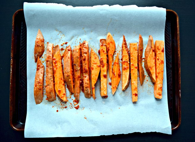 3-Ingredient Chili-Garlic Sweet Potato Fries recipe
