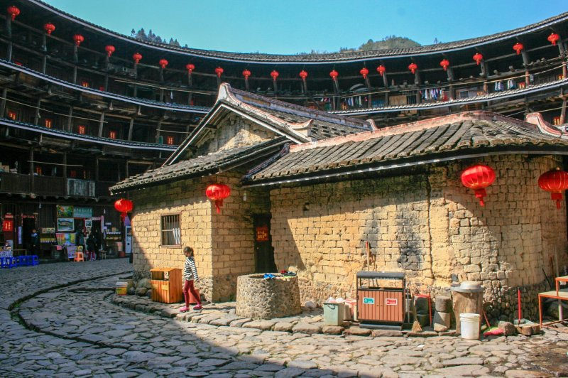 The interior of Yuchanglou. It's possible to see the zig-zag supports in this picture.