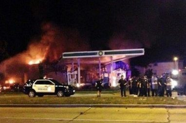 milwaukee-riots-_-gas-station-on-fire-620x409