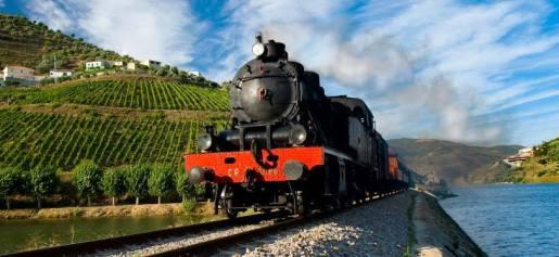 https://www.cp.pt/StaticFiles/Passageiros/3_viajar/1_lazer/1_cultura_natureza/comboio_historico/ch_g.jpg