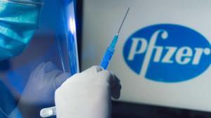 Covid-19: DGS encurta intervalo entre doses vacina Pfizer