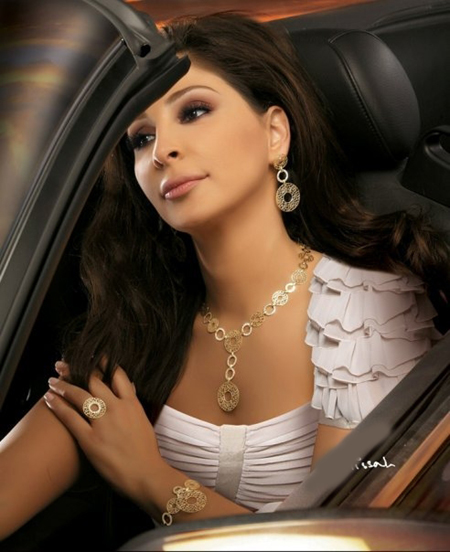 Elissa Looks for a Man Who Will Make Her Heart Beat