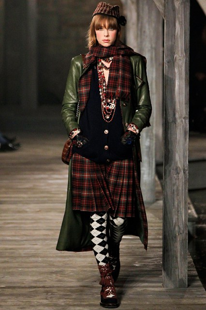 "Chanel Hosts An ""Exceptional"" Scottish Spectacular"