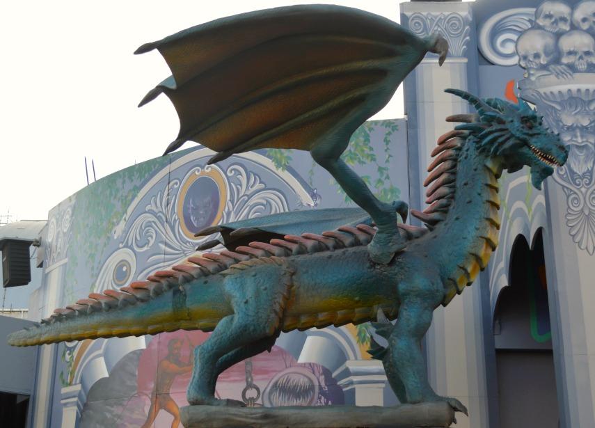 #dragon #statue #ghosttrain #lunapark #rummel #melbourne