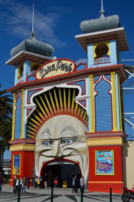 #Luna Park #Melbourne #gate #fair #rummel #bekitschig