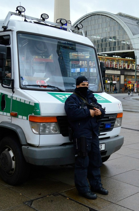 #Alexanderplatz #Polizei