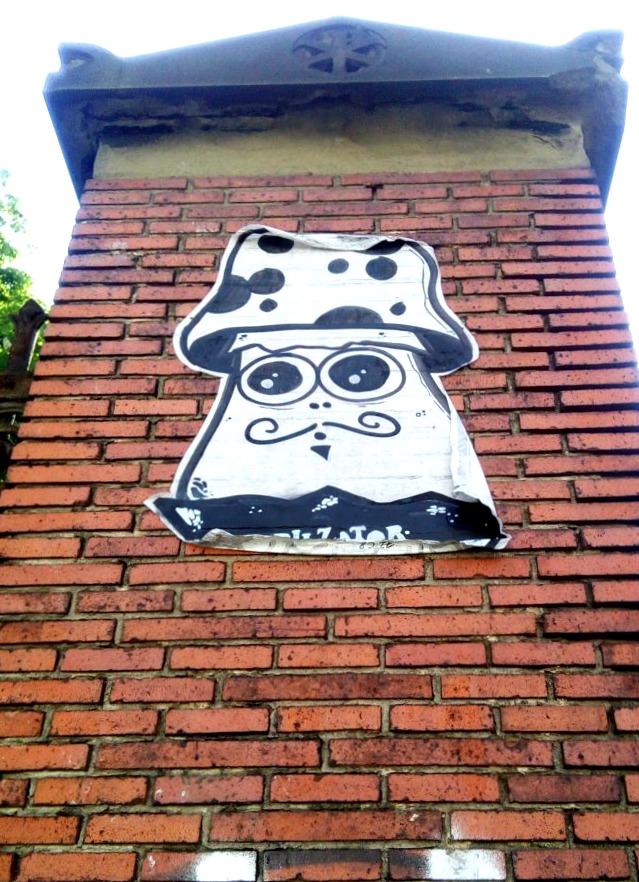 #streetart Pilzator Berlin Mitte bekitschig