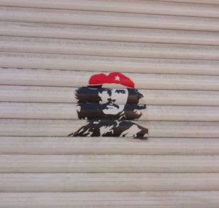 Che Street art Berlin be kitschig