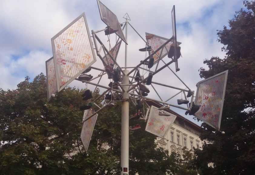 art in public space Helmholtyplatz Berlin
