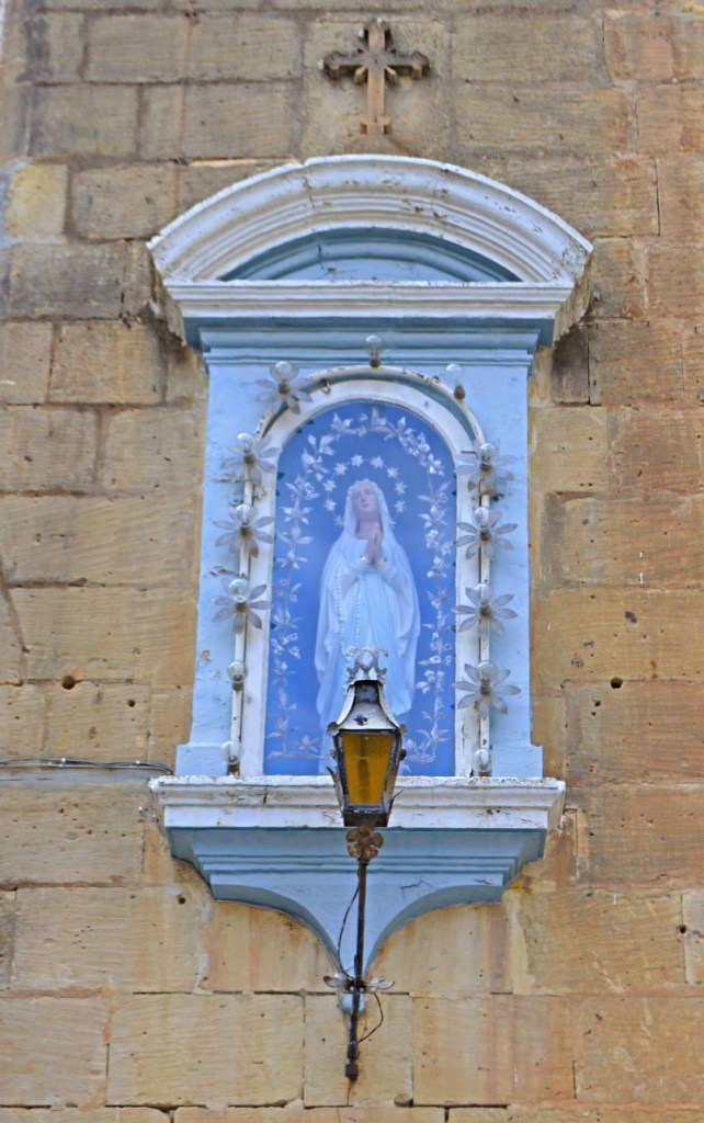 More Statues of Mary from Malta be kitschig blog #travel kitschy