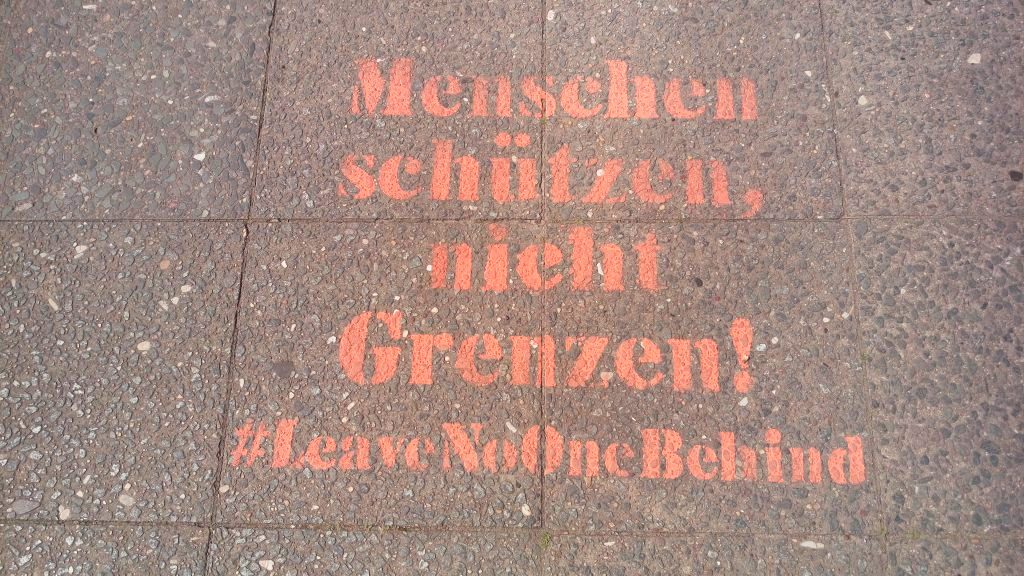#leavenoonebehind Postcards from Berlin #17 be kitschig blog