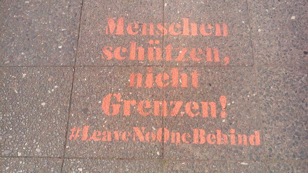 #leavenoonebehind Postcards from Berlin #17 be kitschig blog