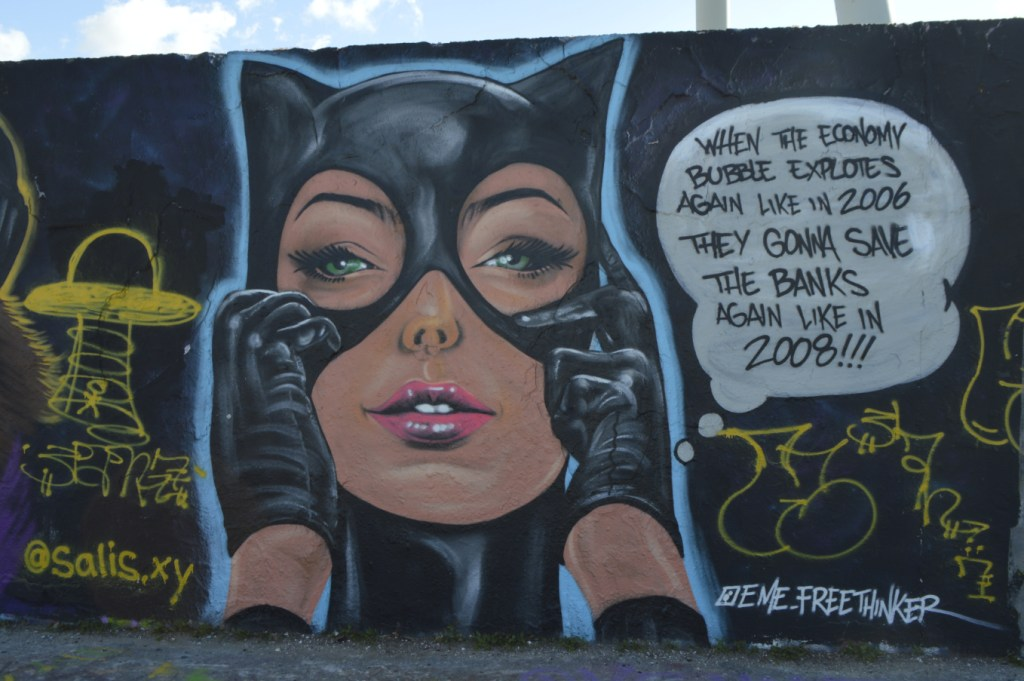 Cat woman Mural graffiti Mauerpark Berlin eme freethinker be kitschig blog