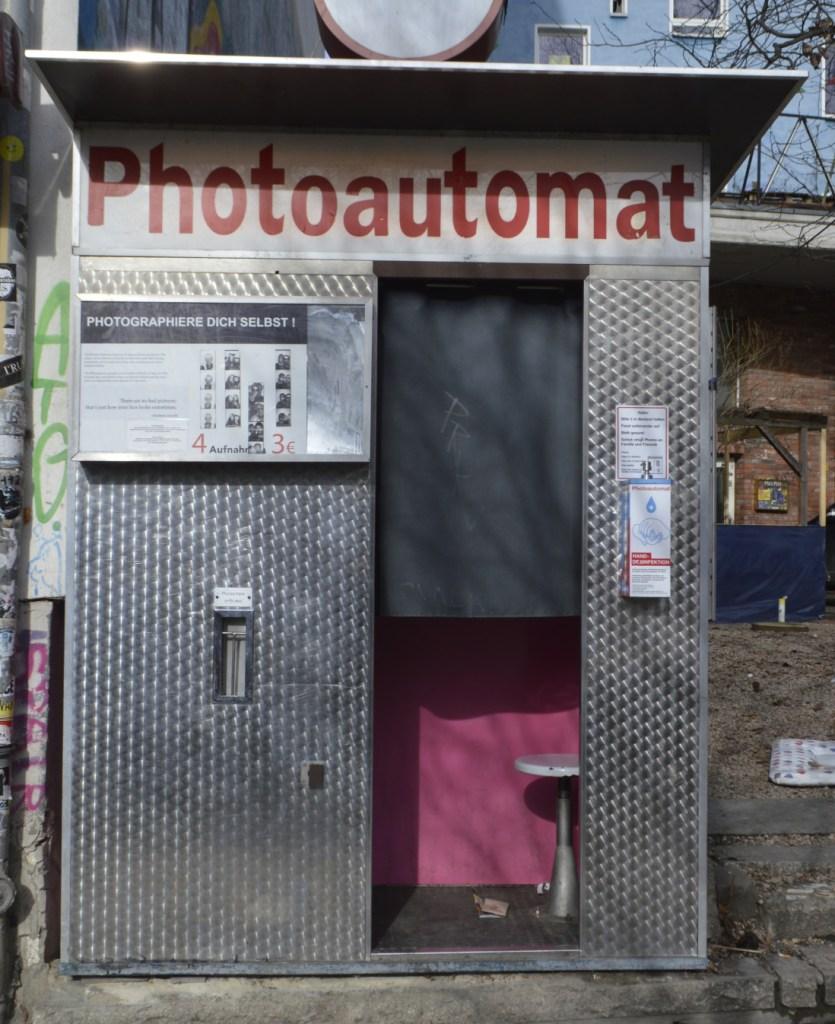 A mroning walk through Berlin Mitte during lock down  Photoautomat  bekitschig blog