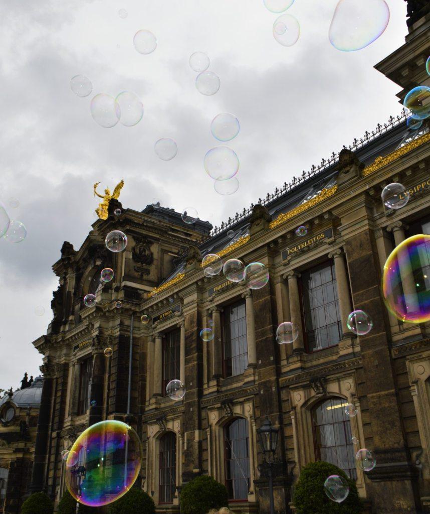 Big Bubbles Dresden Academy of Fine Arts