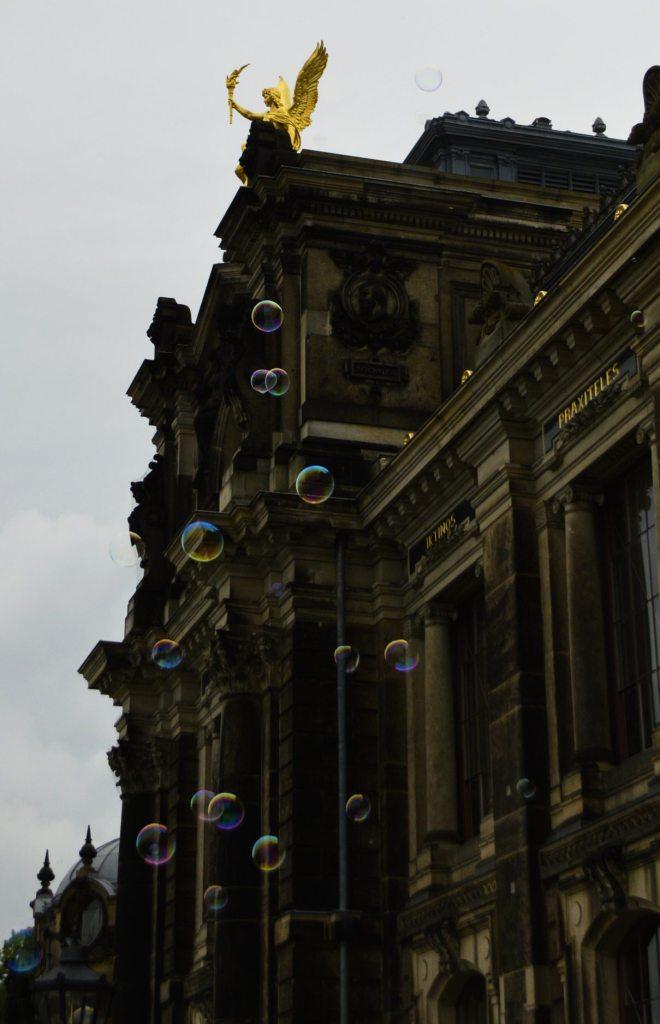 bubbles Dresden Academy of Fine art bekitschig.blog