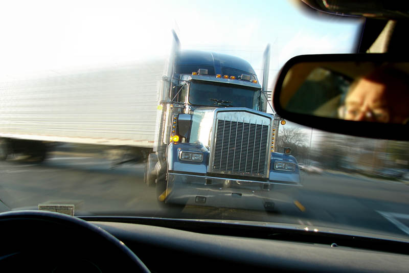 Contact Truck Accident Lawyer in Long Beach