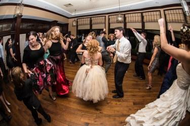 Full dance floor with DJ Ross Anderson of Bela Sono Music