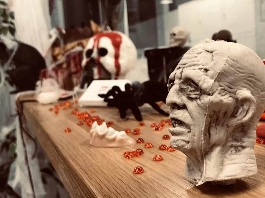 Halloween Monaco bureaux décoration