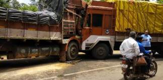 truck accident khanapur road 2