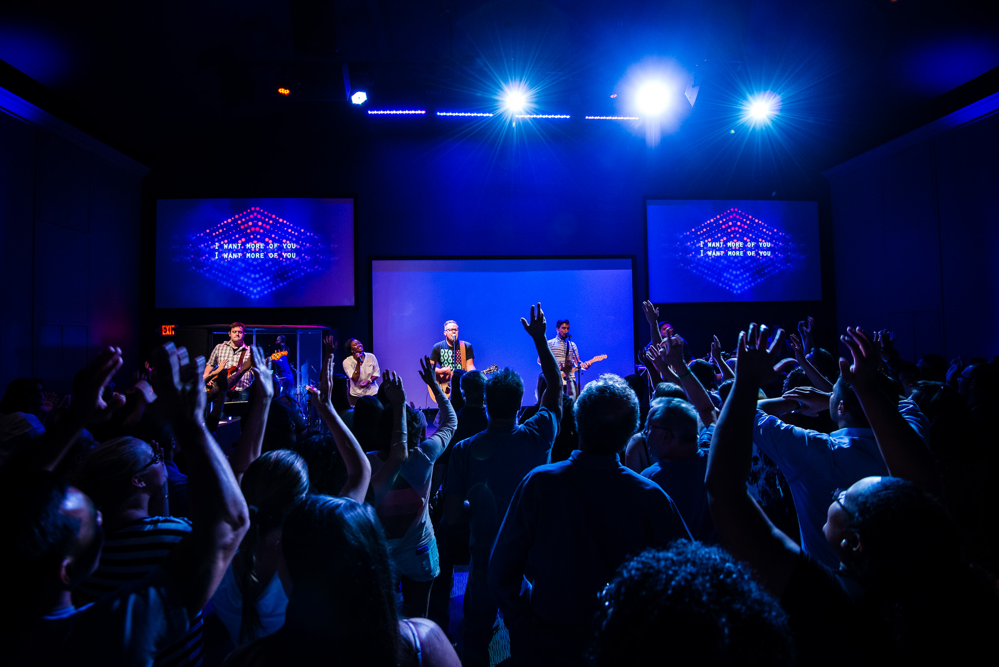 Lifted Hands During Worship… Wait Is That Even Biblical?