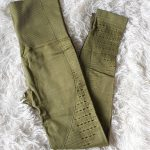 Absolute-Seamless Leggings-Olive