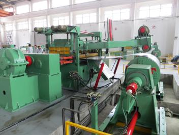 Pinch Roll And Leveling device