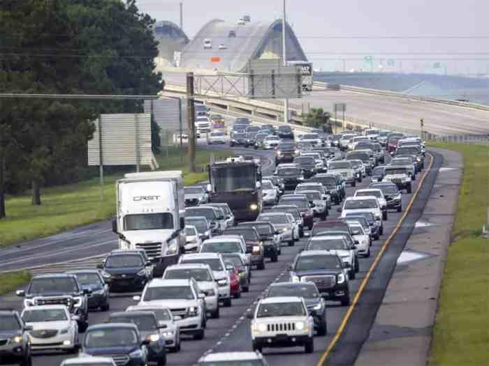 Louisiana traffic leaving New Orleans during Hurricane Ida evacuation