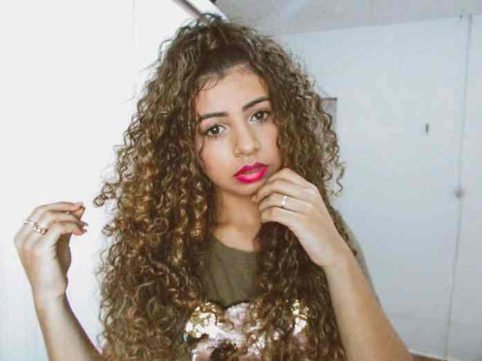 penteado cabelo cacheado inspirado na rayza
