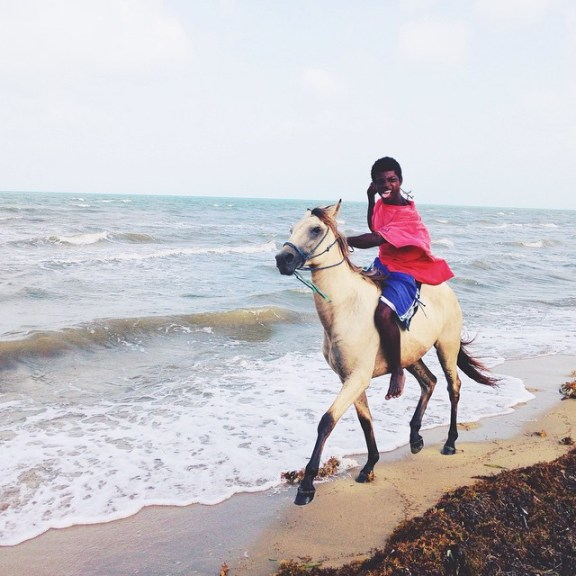 pictures-of-belize-horseback-riding-in-dangriga-town