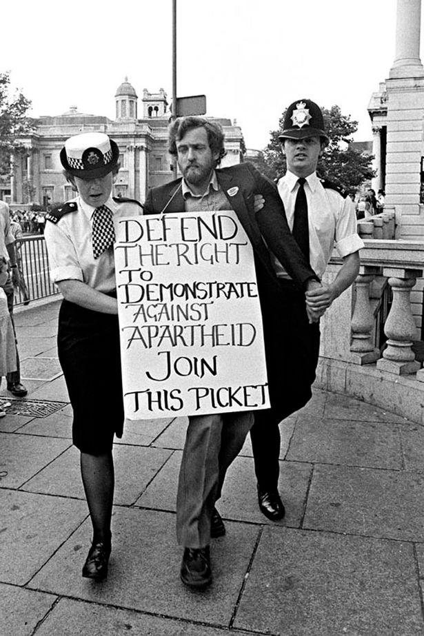 corbyn-arrest-rob-scott