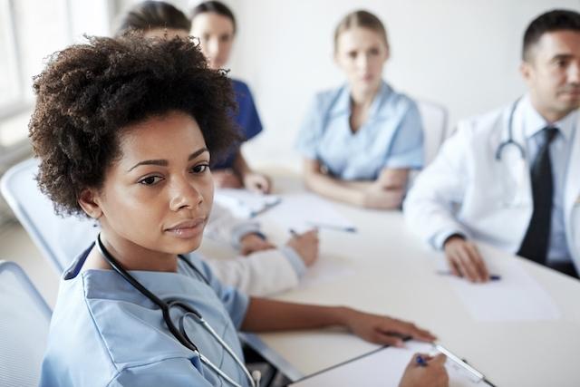 Como uma equipe pode ajudar no tratamento em uma clínica de reabilitação SP