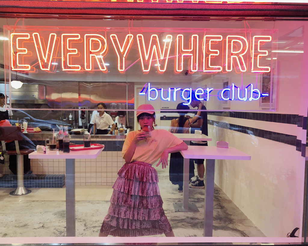 重返70 好女孩 | Everywhere burger club漢堡俱樂部