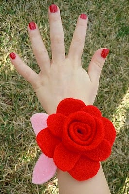 Felt Flower Valentine Corsage Things To Make And Do