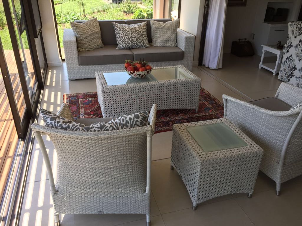 White patio set