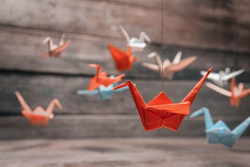 papírból hajtogatott madarak