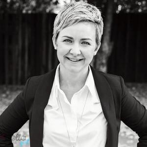 Liz Hamilton, a bella alapítója