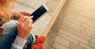 mobiltelefon és a fiatalok