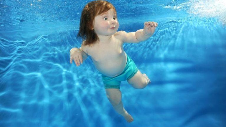 ea57bdb5225 Има много жертви на удавяне в басейн сред децата, особено когато се били  оставяне без надзор. Ето защо е толкова важно ние родителите да осигурим ...