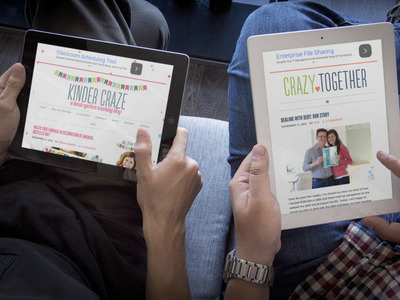 couple reading two responsive sites