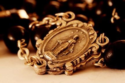 4456419566_fd96357a1d_rosary