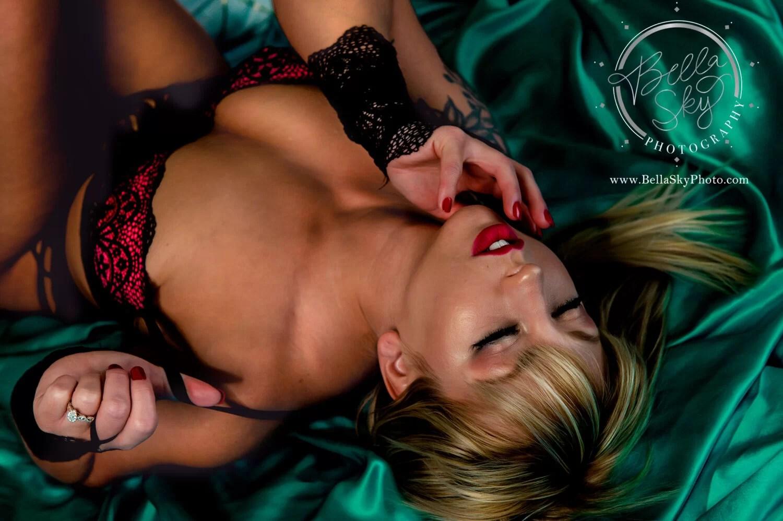 red lips teal sheet boudoir session