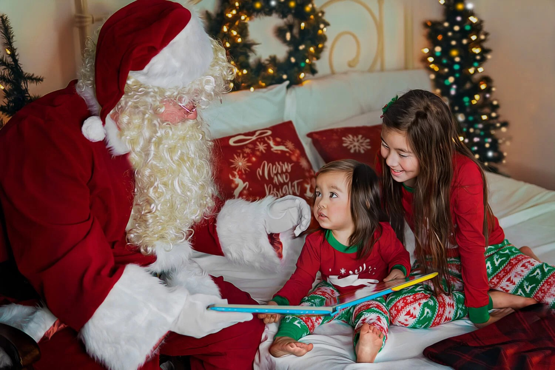 kids reading with Santa